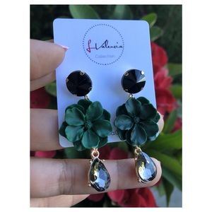 Emerald flower and gem earrings
